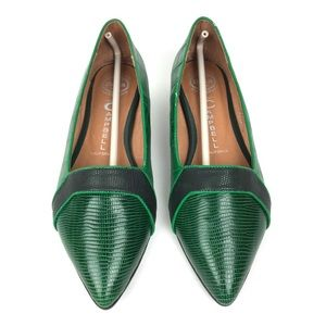 New Jeffrey Campbell Green Flats Size 8.5